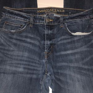 Men's American Eagle Jeans ripped at knees